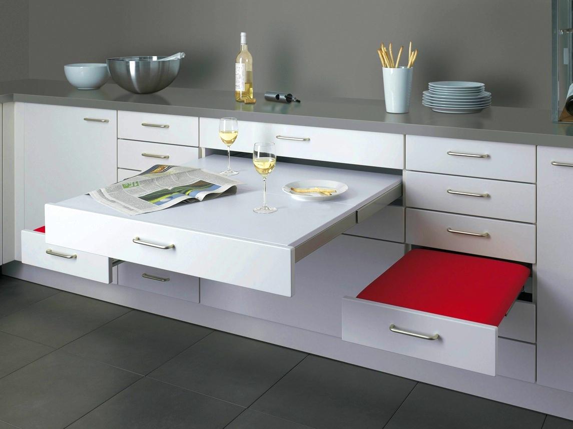 Кухня/столовая в  цветах:   Белый, Голубой, Светло-серый, Серый.  Кухня/столовая в  стиле:   Минимализм.