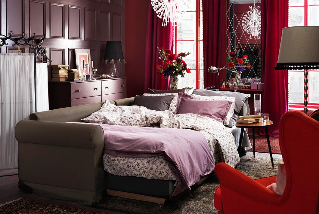 Как обустроить гостиную-спальню в однушке: 5 свежих примеров