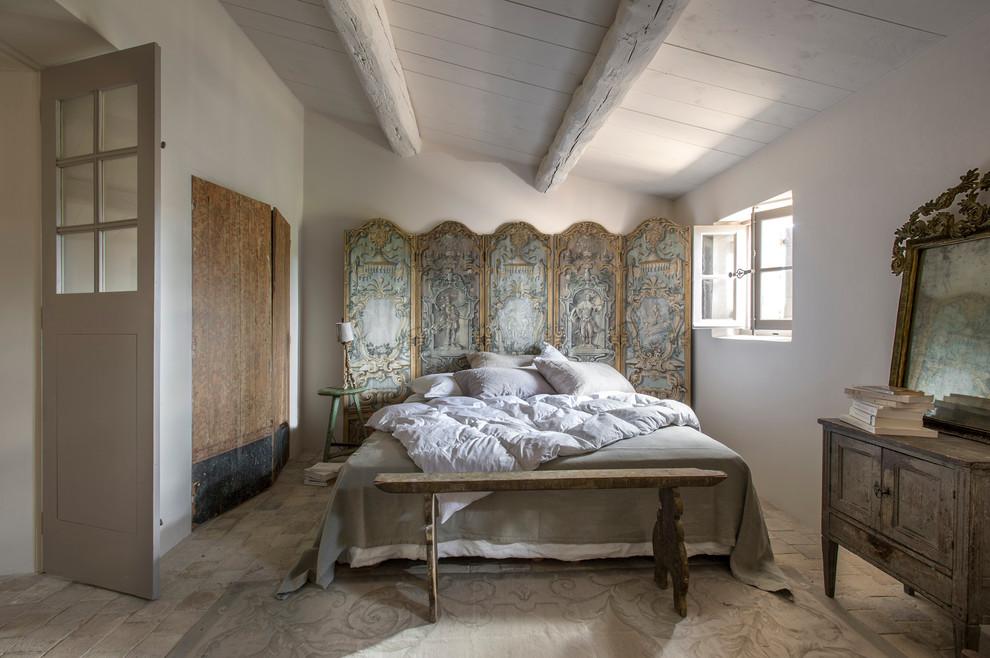 Спальня в  цветах:   Бежевый, Коричневый, Светло-серый, Серый.  Спальня в  стиле:   Кантри.