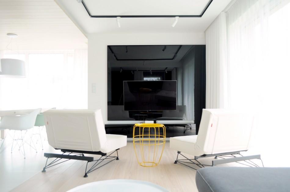 Гостиная в  цветах:   Белый, Бирюзовый, Светло-серый, Черный.  Гостиная в  стиле:   Минимализм.