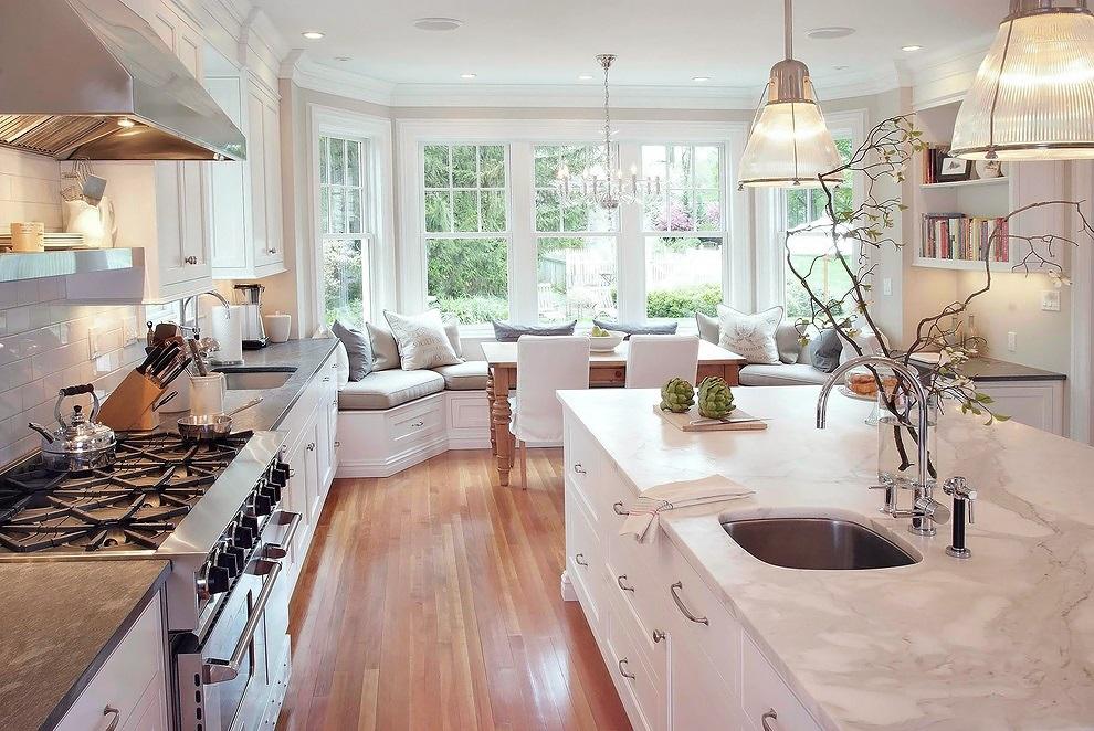 Кухня/столовая в  цветах:   Бежевый, Белый, Светло-серый, Серый.  Кухня/столовая в  стиле:   Классика.