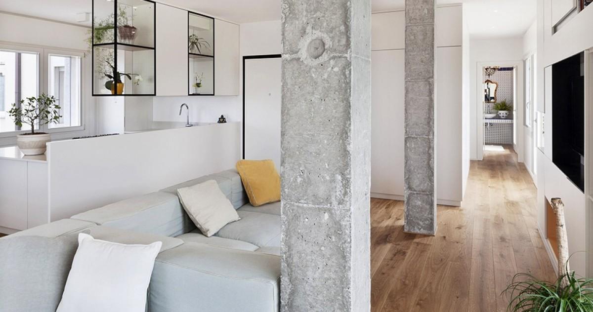 Изюминка дизайна: 16 запоминающихся интерьеров с колоннами
