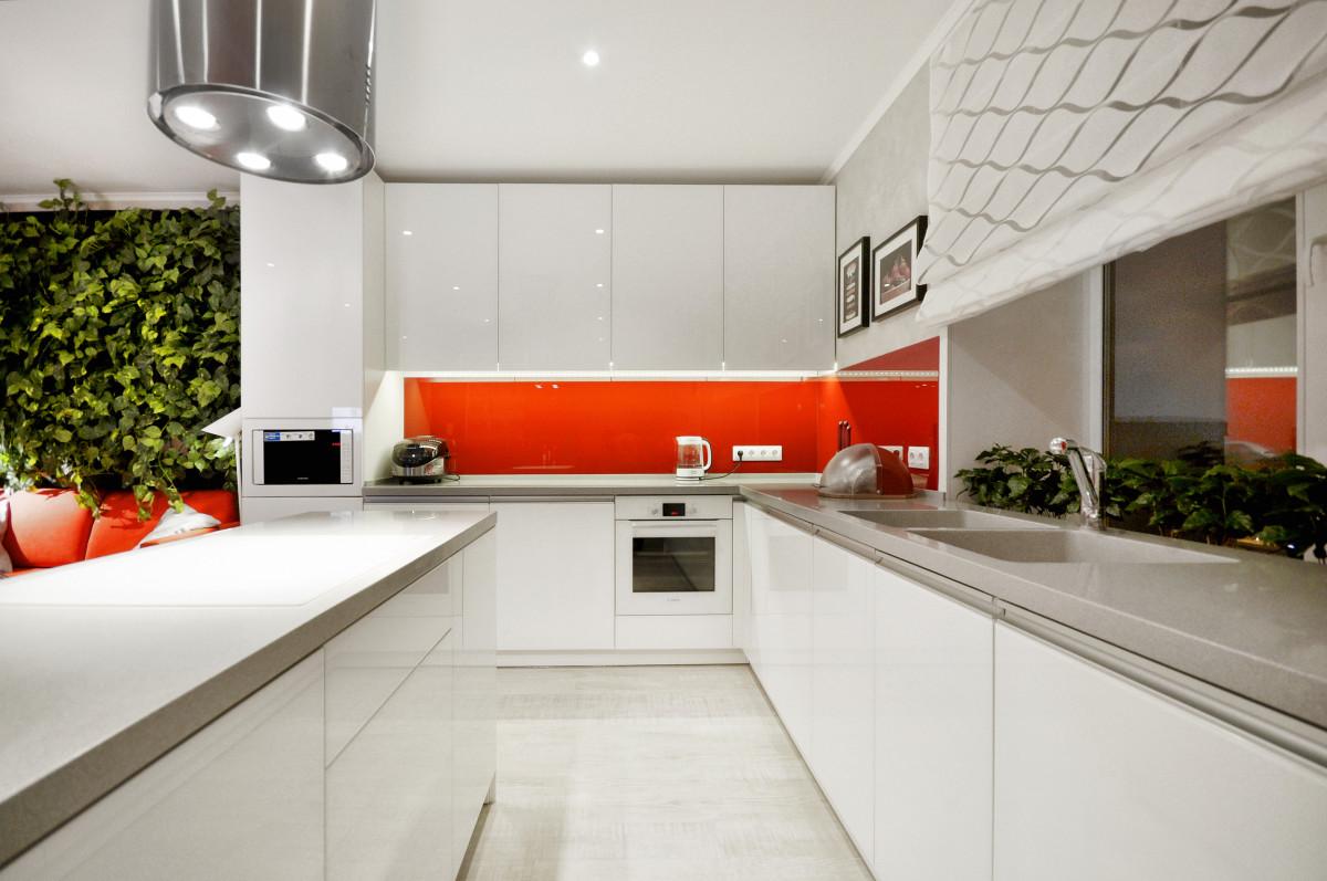 Кухня/столовая в  цветах:   Белый, Коричневый, Светло-серый, Серый.  Кухня/столовая в  стиле:   Минимализм.