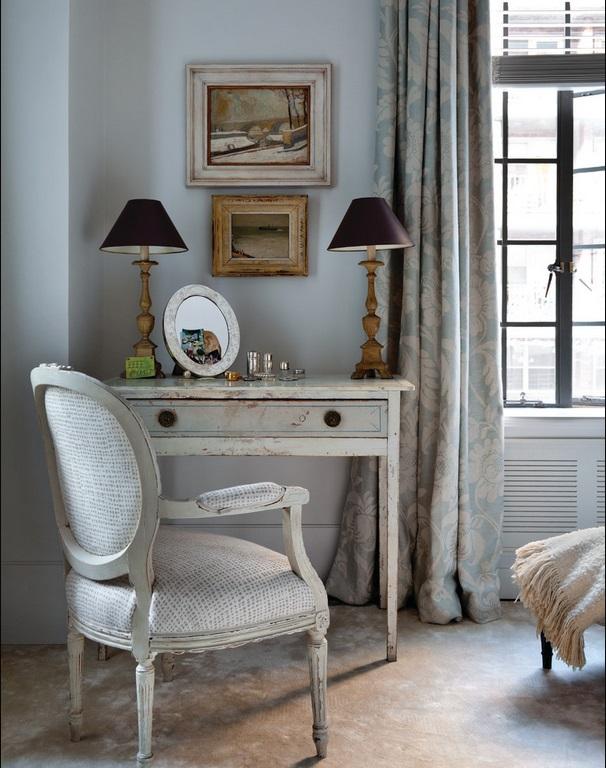 Мебель и предметы интерьера в цветах: голубой, черный, серый, светло-серый, белый. Мебель и предметы интерьера в .