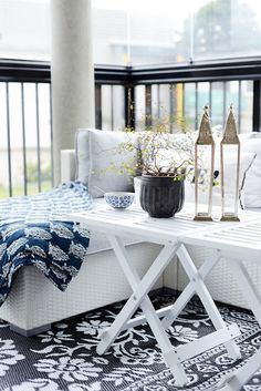 Балкон, веранда, патио в цветах: черный, серый, светло-серый. Балкон, веранда, патио в стиле скандинавский стиль.
