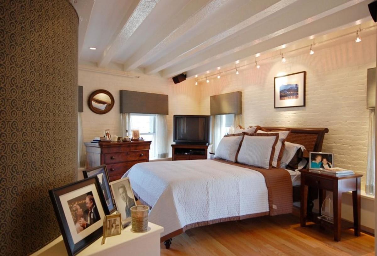 Спальня в цветах: серый, светло-серый, коричневый, бежевый. Спальня в стилях: эклектика.