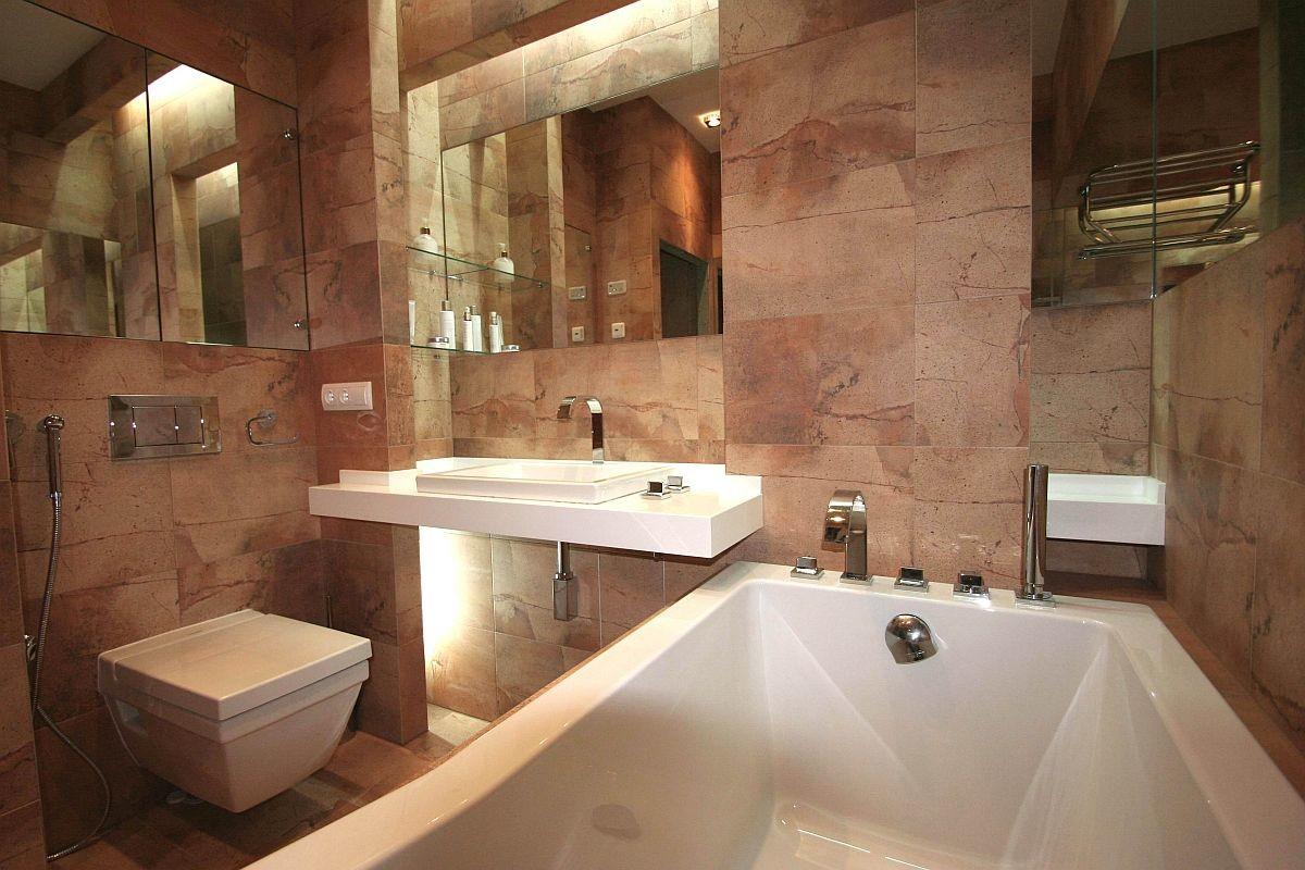 Туалет в цветах: светло-серый, темно-коричневый, коричневый, бежевый. Туалет в .