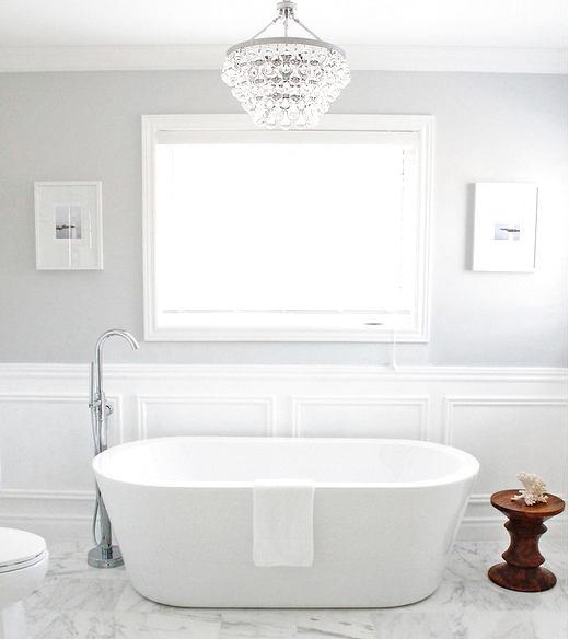 Туалет в цвете белый. Туалет в стиле английские стили.