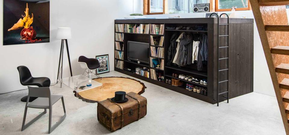 Один шкаф вместо 10 предметов мебели: комната на 6 квадратах