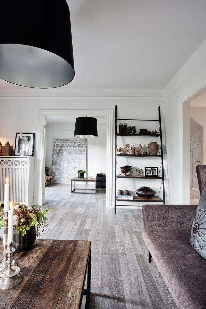 Мебель и предметы интерьера в цветах: черный, серый, светло-серый, белый, коричневый. Мебель и предметы интерьера в стиле экологический стиль.