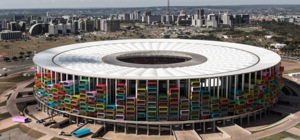 Чего стадиону пропадать? Будем в нем жить!