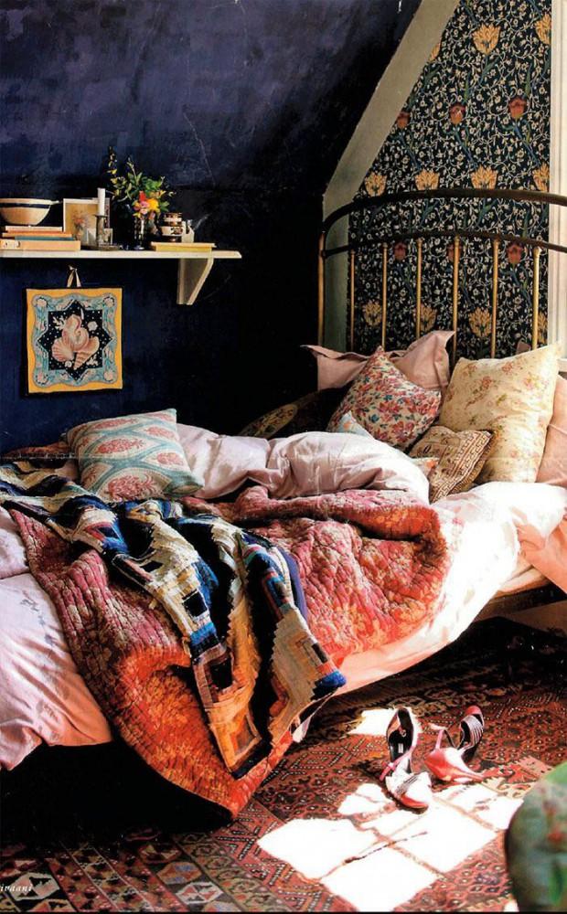 Спальня в цветах: черный, серый, белый, коричневый, бежевый. Спальня в стилях: этника.