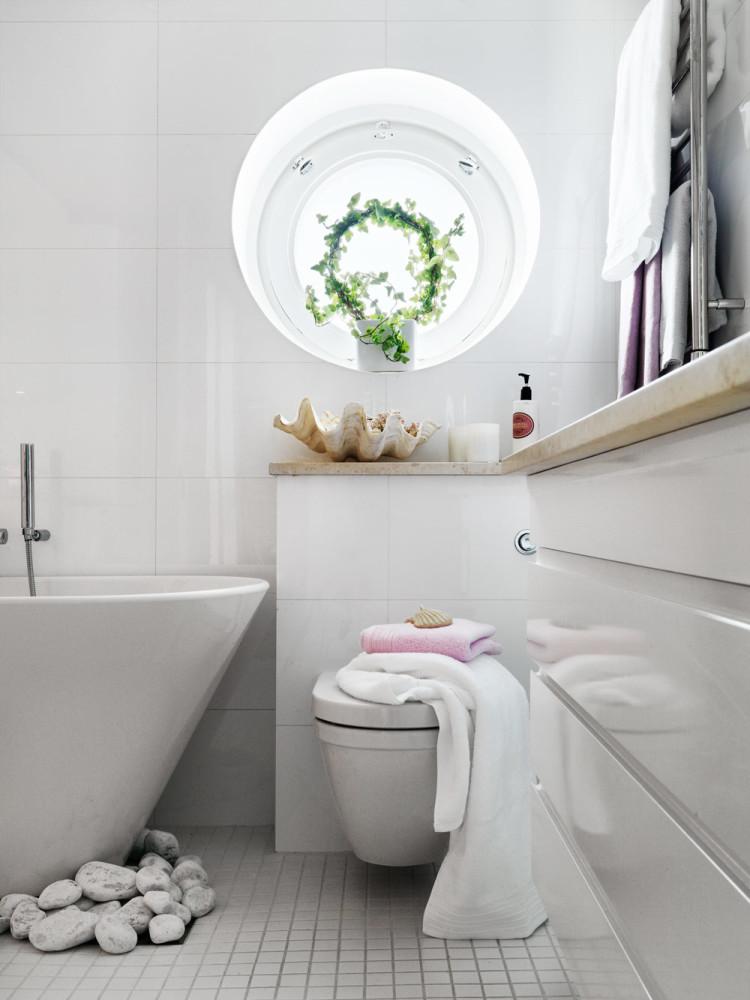 Туалет в цветах: серый, светло-серый, белый, салатовый, бежевый. Туалет в стилях: ближневосточные стили, средиземноморский стиль, этника, эклектика.