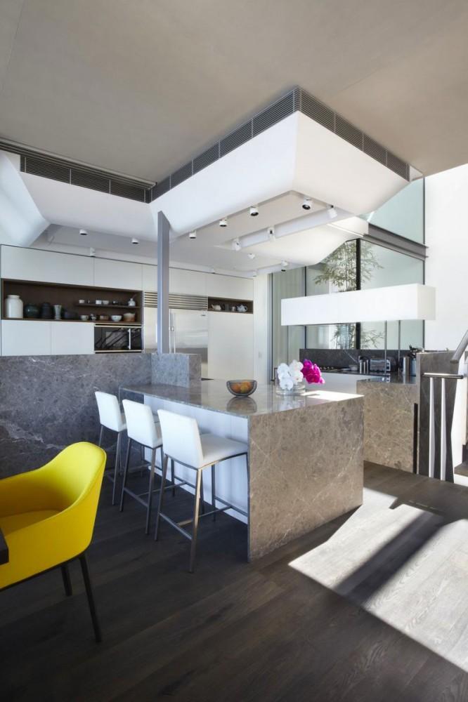 Кухня в цветах: черный, серый, белый. Кухня в .