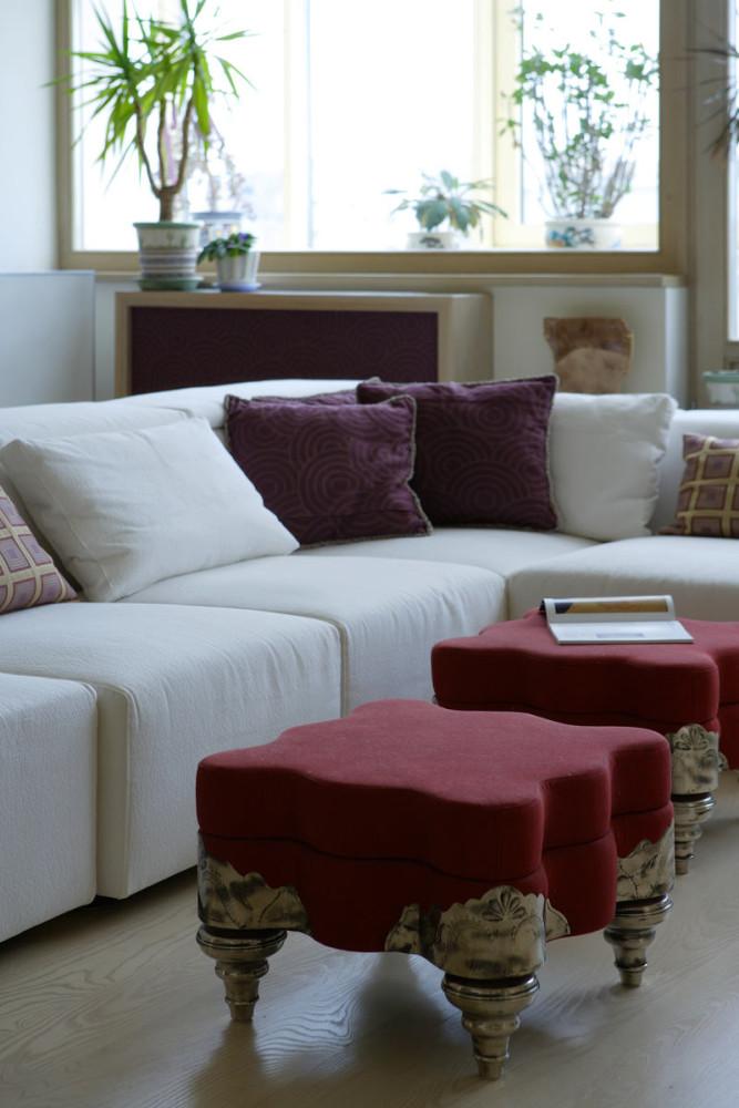 Гостиная, холл в цветах: белый, бордовый, сиреневый, коричневый, бежевый. Гостиная, холл в стиле арт-деко.