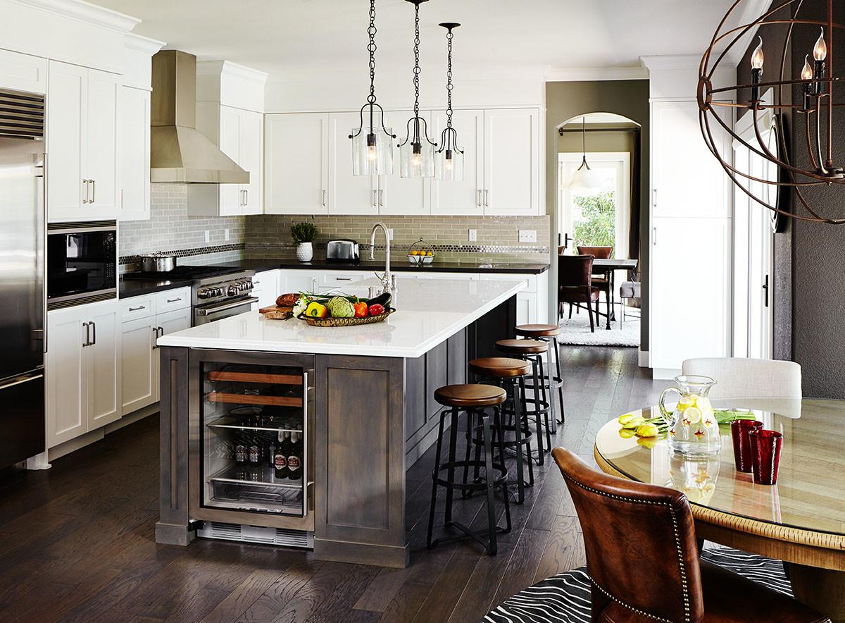 Кухня в цветах: черный, серый, светло-серый, белый, коричневый. Кухня в стиле лофт.