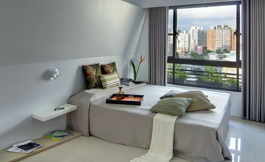 Спальня в цветах: черный, серый, светло-серый, белый, темно-зеленый. Спальня в .