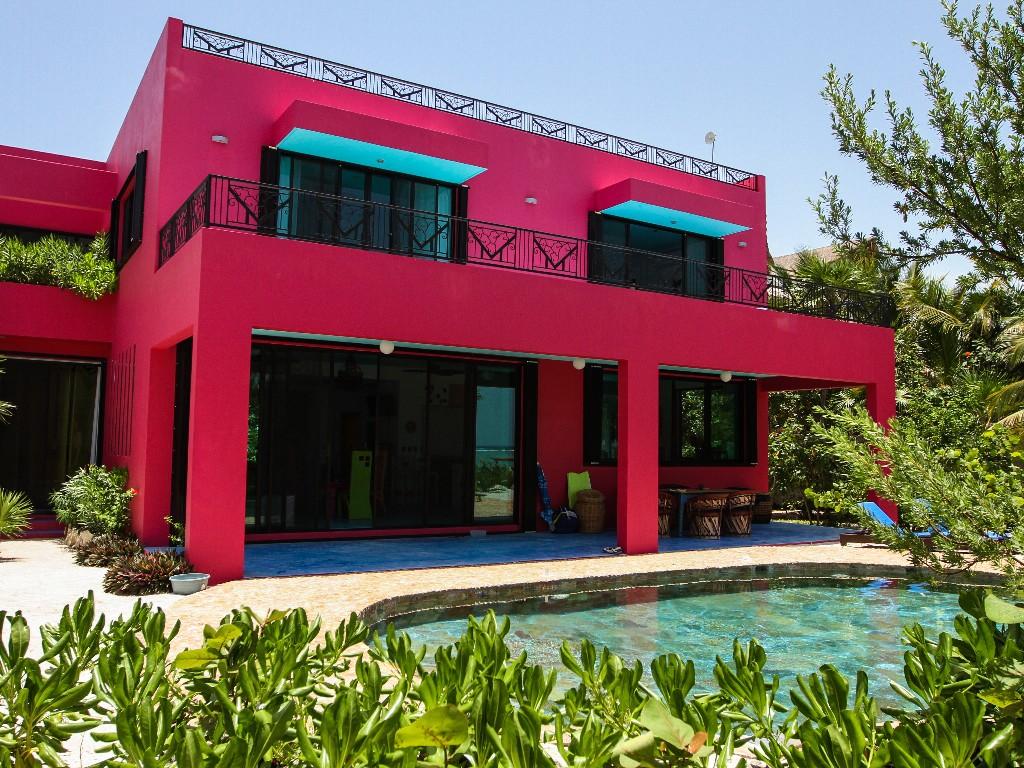 Архитектура в цветах: красный, голубой, розовый, темно-зеленый, бежевый. Архитектура в .