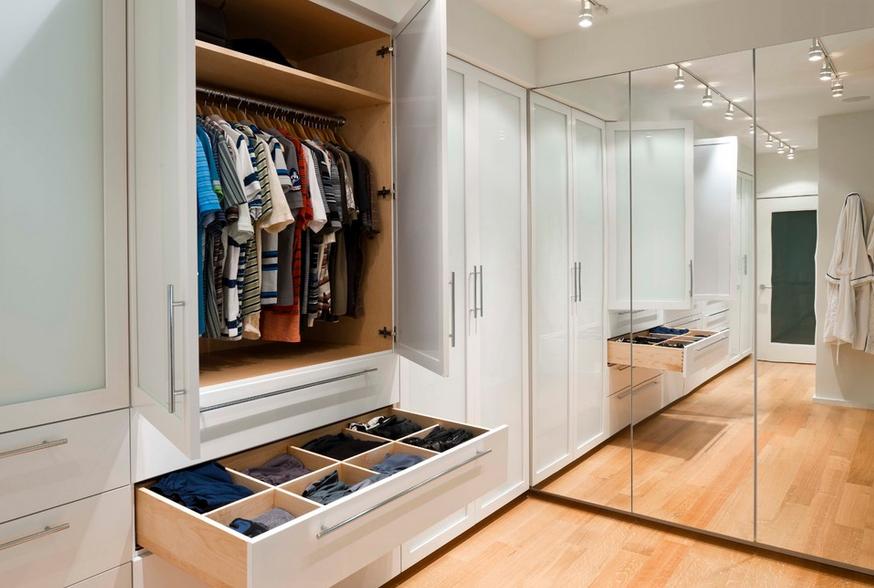 Мебель и предметы интерьера в цветах: желтый, черный, серый, коричневый, бежевый. Мебель и предметы интерьера в стилях: минимализм, экологический стиль.