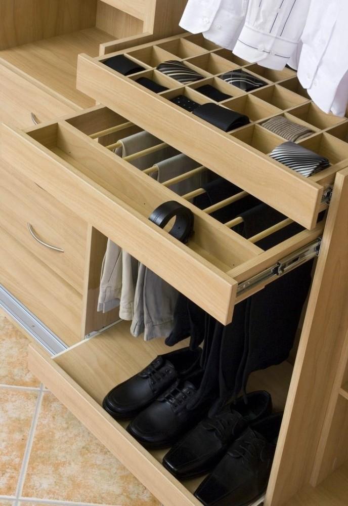 Мебель и предметы интерьера в цветах: желтый, черный, серый, светло-серый, бежевый. Мебель и предметы интерьера в .
