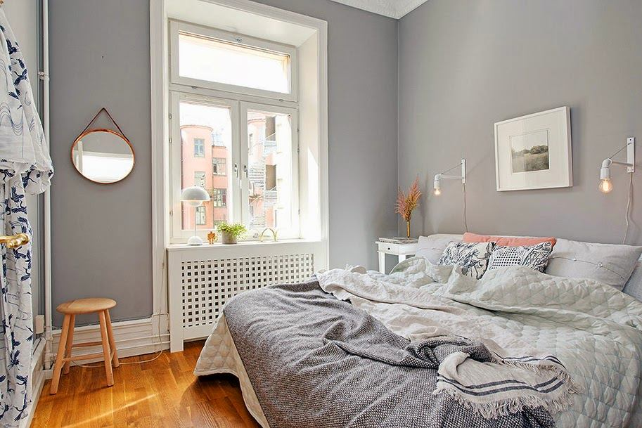 Спальня в цветах: серый, белый, коричневый, бежевый. Спальня в стилях: скандинавский стиль.