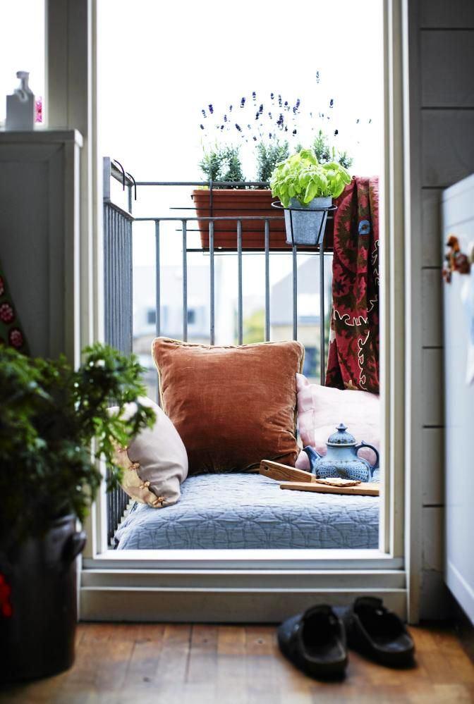 Балкон, веранда, патио в цветах: голубой, черный, серый, светло-серый, белый. Балкон, веранда, патио в .