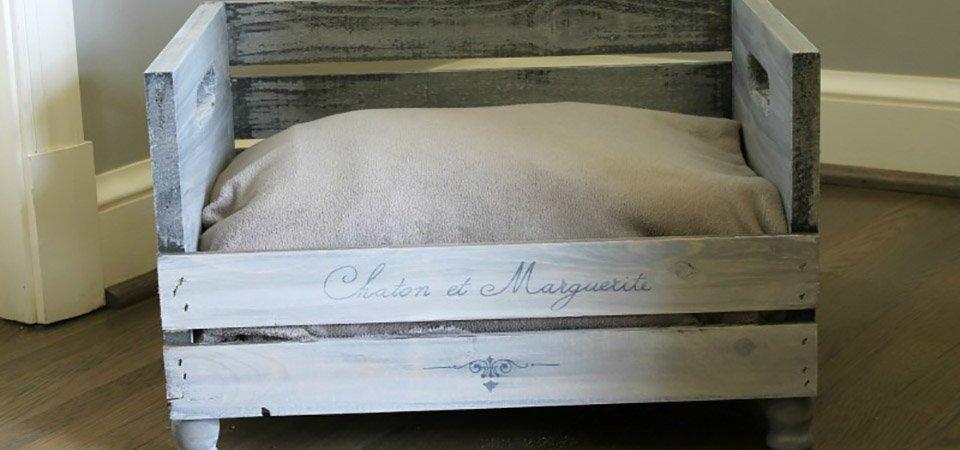 Кошатникам и собачникам посвящается. Очаровательная кровать из старого ящика для вашего домашнего любимца: мастер класс