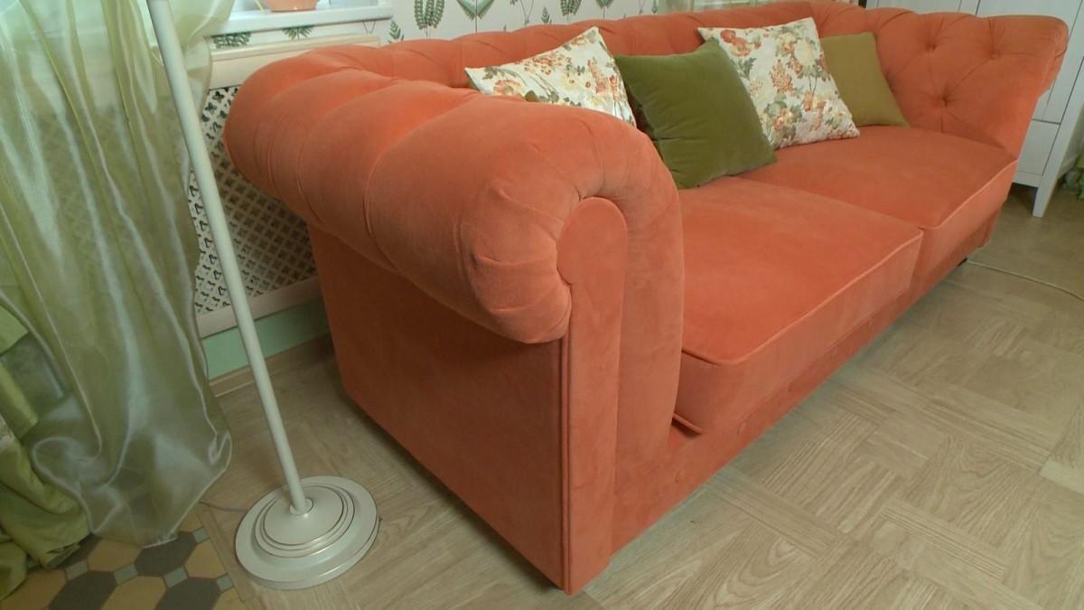 Гостиная, холл в цветах: оранжевый, темно-зеленый, салатовый, коричневый, бежевый. Гостиная, холл в стиле прованс.