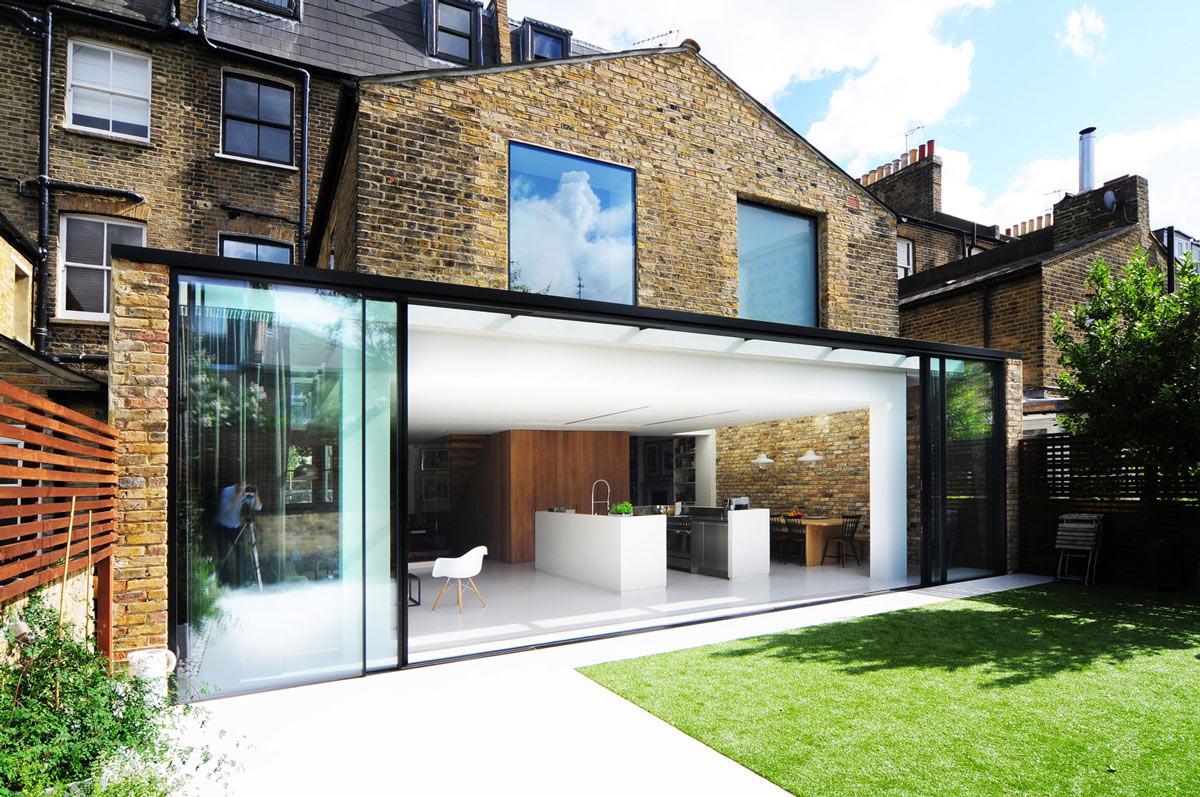 Балкон, веранда, патио в цветах: серый, светло-серый, белый, салатовый. Балкон, веранда, патио в стиле минимализм.