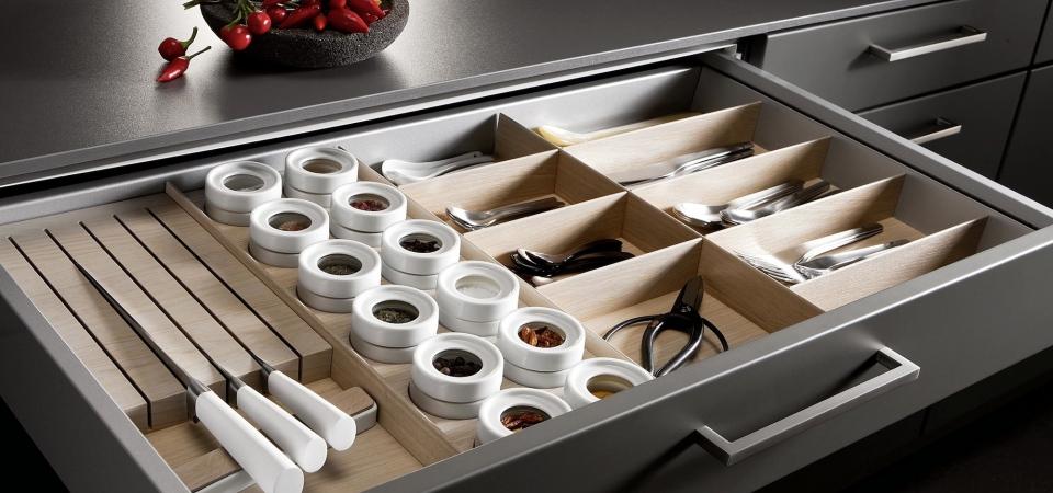Оснащение кухни: все, что нужно знать о ящиках