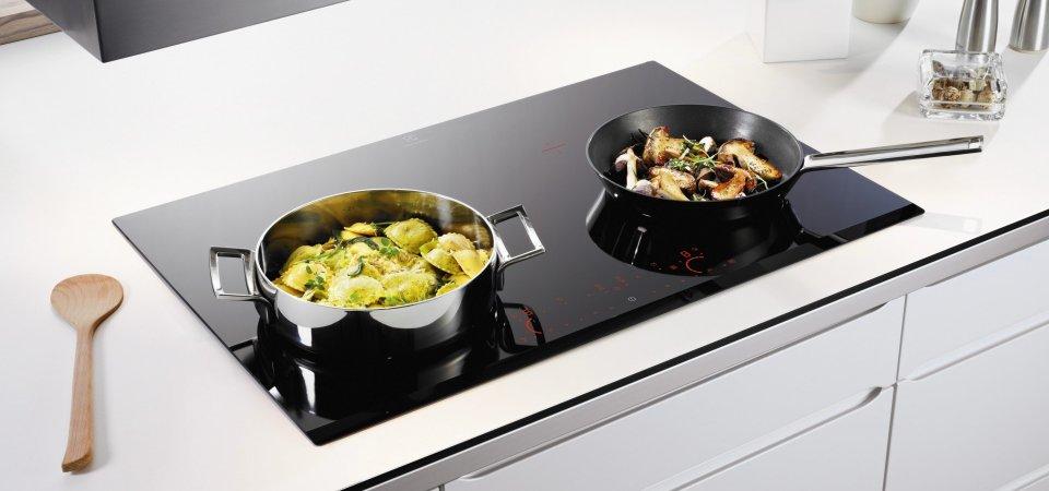 Как вскипятить чайник за 10 секунд: плюсы и минусы индукционных плит