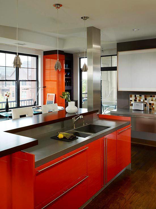 Кухня в цветах: черный, серый, светло-серый, бордовый. Кухня в .