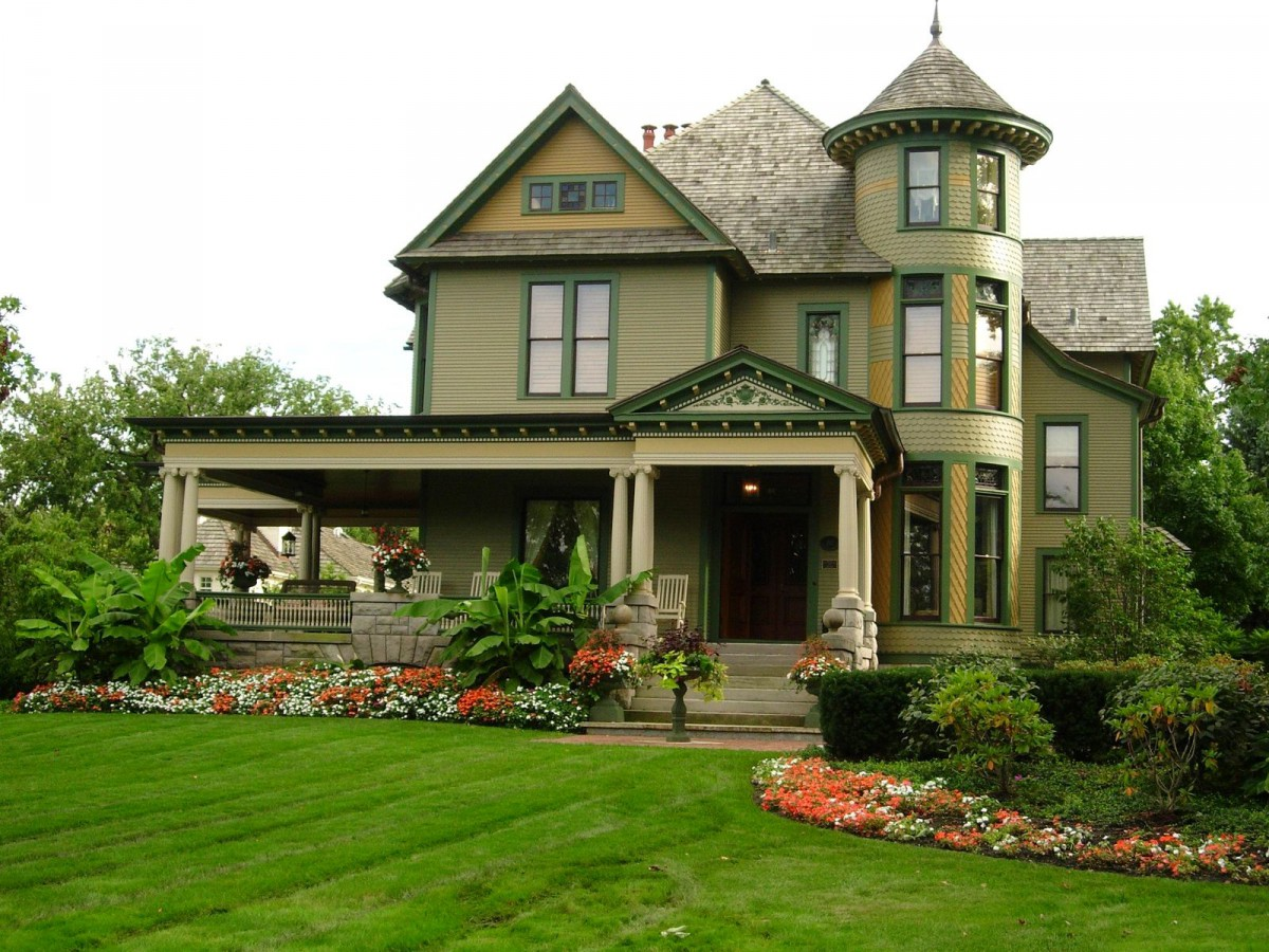Архитектура в цветах: черный, светло-серый, темно-зеленый, бежевый. Архитектура в стилях: экологический стиль, неоклассика.