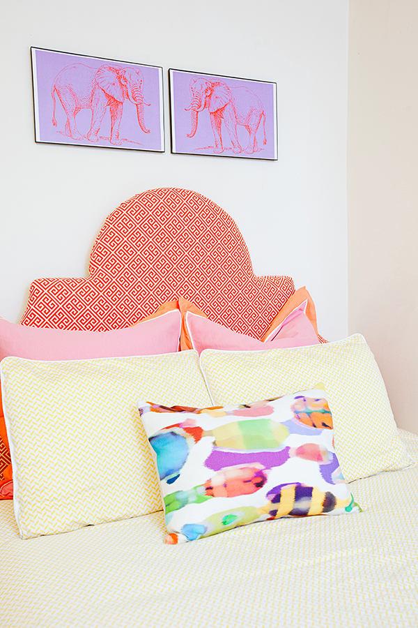 Мебель и предметы интерьера в цветах: оранжевый, желтый, белый, розовый. Мебель и предметы интерьера в .