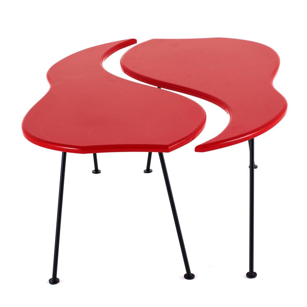 Мебель и предметы интерьера в цветах: красный, желтый, светло-серый, бордовый. Мебель и предметы интерьера в стилях: минимализм, хай-тек.