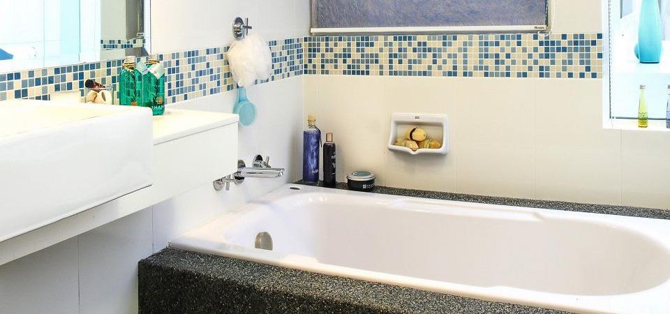 Как обустроить маленькую ванную: 5 эффективных советов
