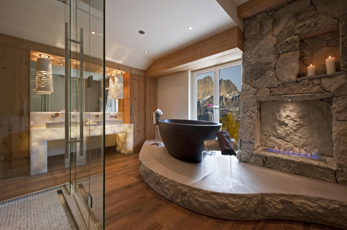 Туалет в цветах: черный, серый, светло-серый, коричневый, бежевый. Туалет в стиле эклектика.