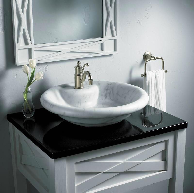 Ванная в цветах: черный, серый, белый. Ванная в стиле арт-деко.