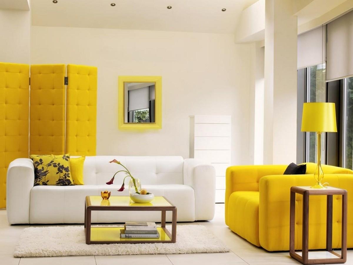 Декор в цветах: желтый, светло-серый, белый, бежевый. Декор в .