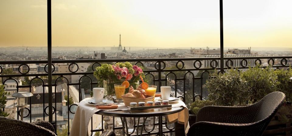 5 отелей Парижа с самыми захватывающими видами из окна