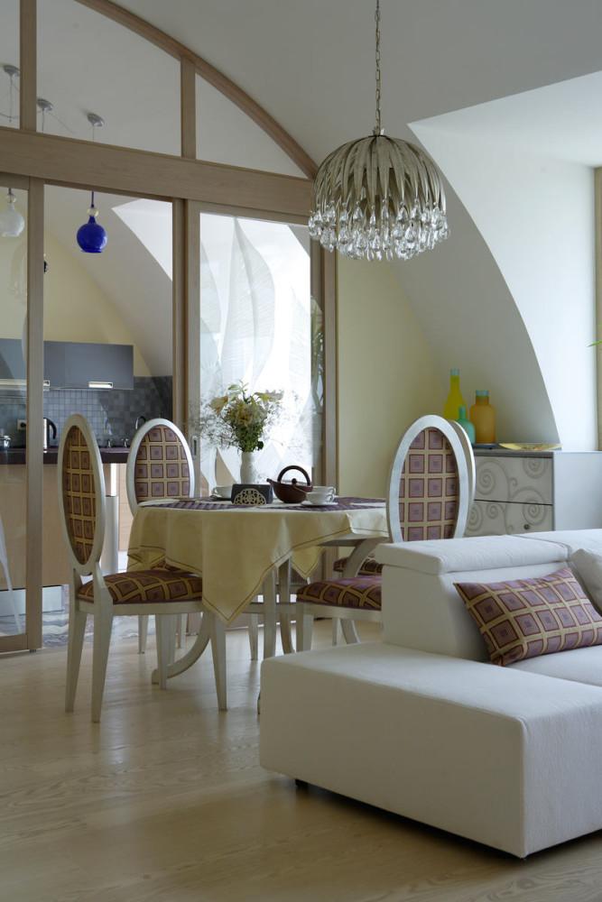Мебель и предметы интерьера в цветах: светло-серый, белый, бежевый. Мебель и предметы интерьера в стиле арт-деко.