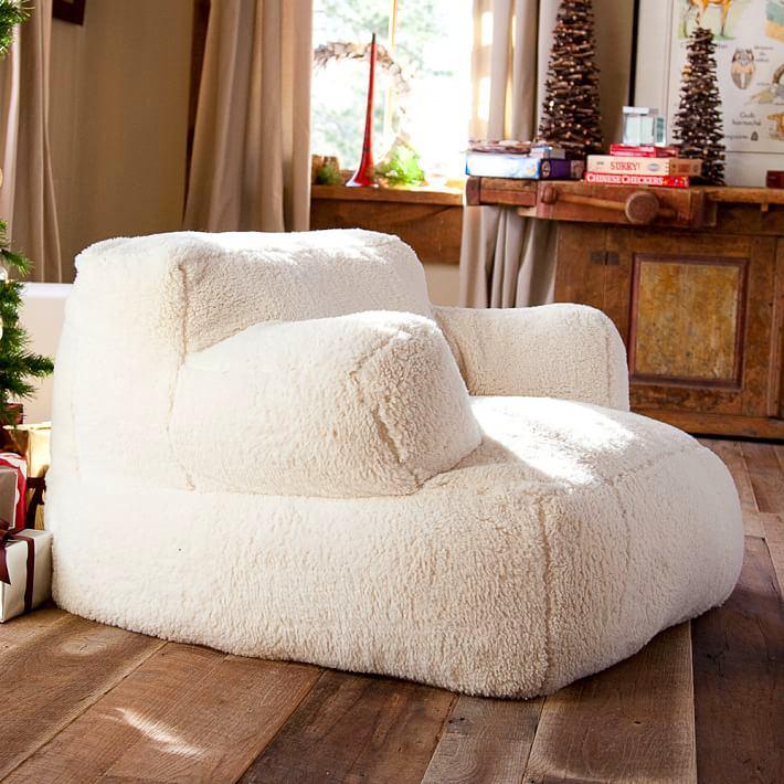 Мебель и предметы интерьера в цветах: светло-серый, белый, темно-коричневый, коричневый, бежевый. Мебель и предметы интерьера в стиле кантри.