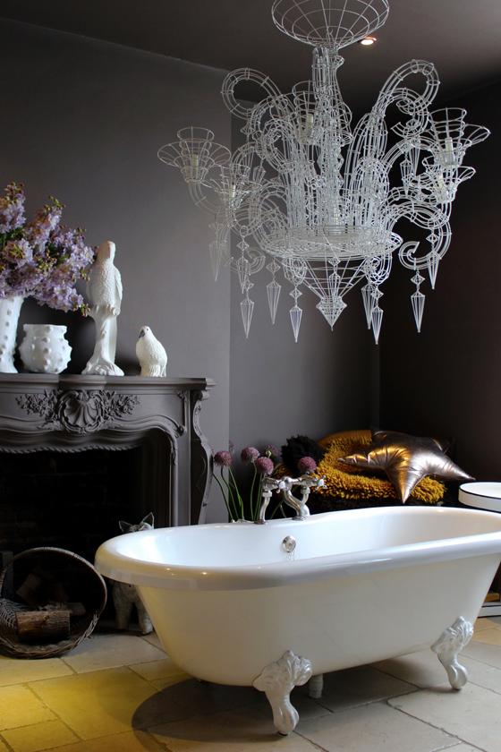 Ванная в  цветах:   Бежевый, Светло-серый, Серый, Темно-коричневый, Черный.  Ванная в  стиле:   Эклектика.