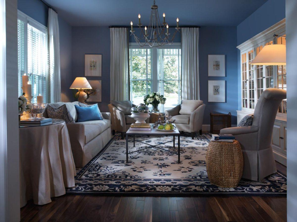 Гостиная в  цветах:   Светло-серый, Серый, Синий, Темно-коричневый, Черный.  Гостиная в  стиле:   Неоклассика.