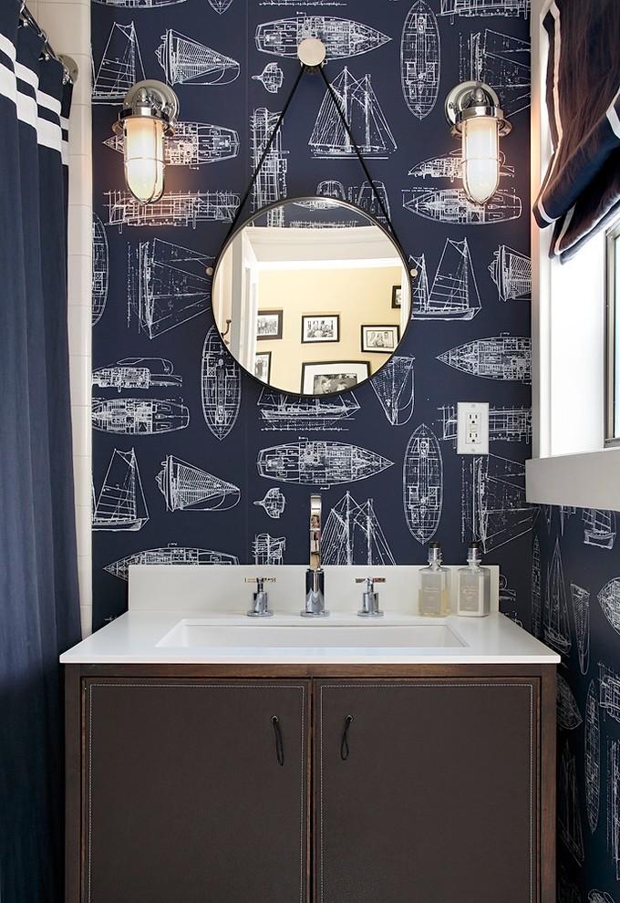Ванная в  цветах:   Светло-серый, Серый, Темно-коричневый, Фиолетовый, Черный.  Ванная в  стиле:   Минимализм.