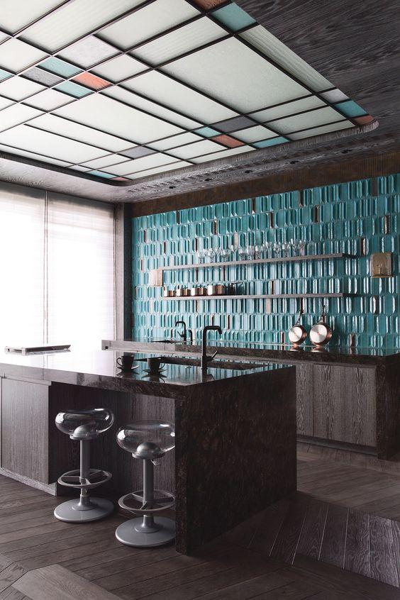 Кухня/столовая в  цветах:   Белый, Светло-серый, Серый, Темно-коричневый, Черный.  Кухня/столовая в  стиле:   Лофт.