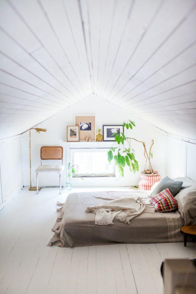 Спальня в  цветах:   Белый, Светло-серый, Темно-коричневый.  Спальня в  стиле:   Скандинавский.