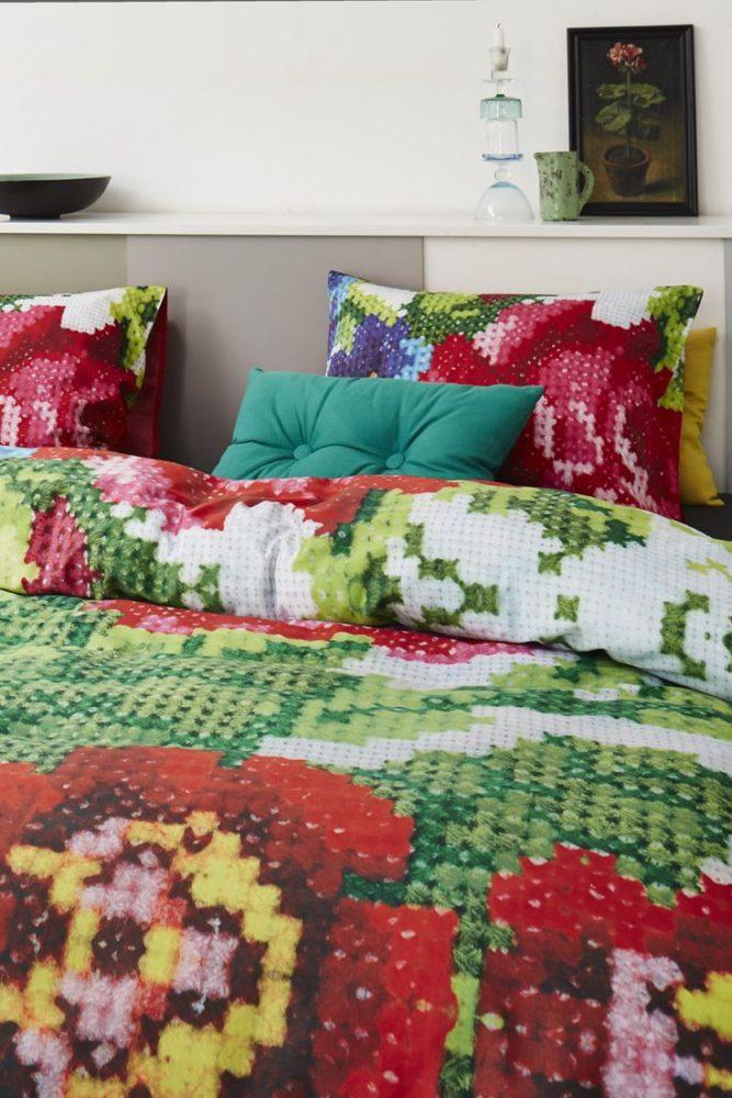 Вдохновение в  цветах:   Бежевый, Бордовый, Светло-серый, Темно-зеленый, Темно-коричневый.  Вдохновение в  .