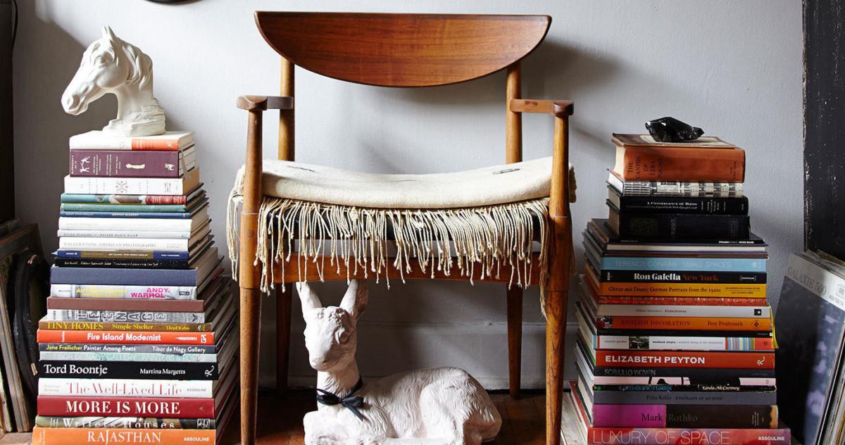 Как сделать книги частью интерьера: 33 идеи