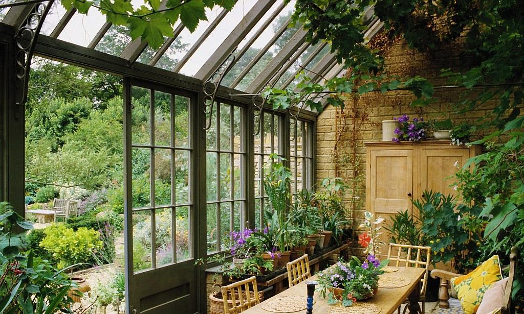 Зимний сад в частном доме, строительство и оформление.